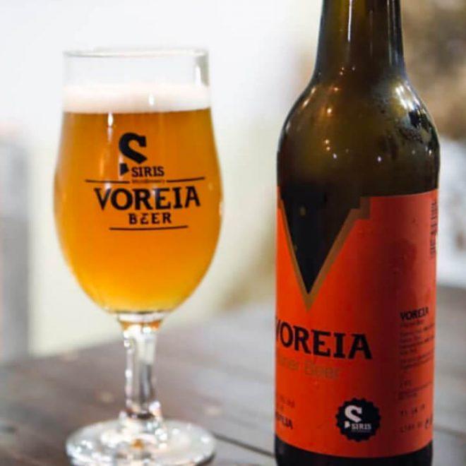 Voreia Pilsner geserveerd in een glas