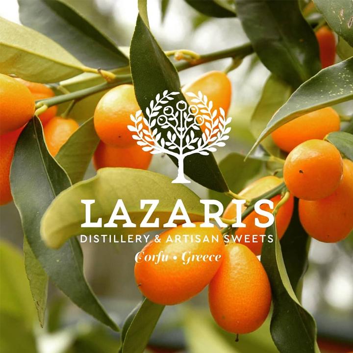 Het logo van Lazaris met kumquat vruchten op de achtergrond