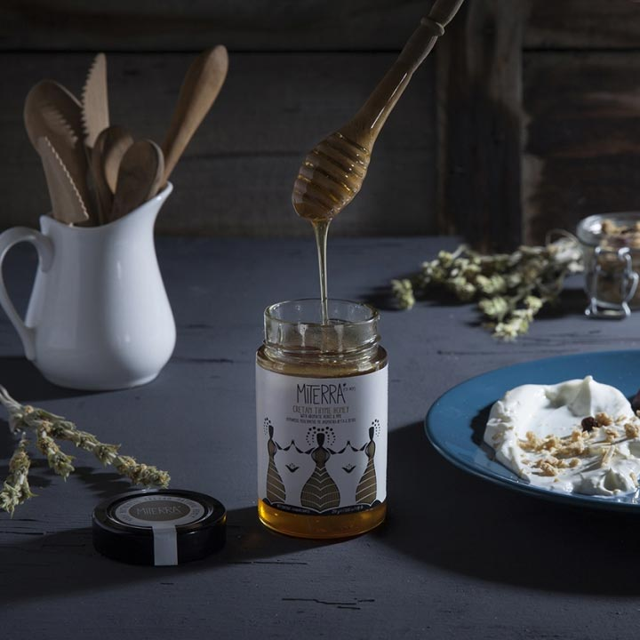 Karamelachtige honing uit Kreta van Miterra