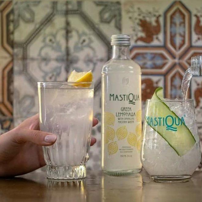 Griekse limonade met mastiek en citroen